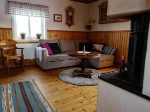 A seating area at Skatauddens Lantgård