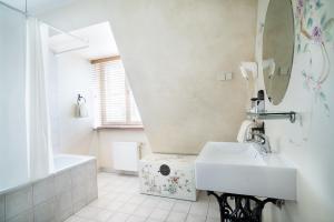 Ванная комната в St. Peter's Boutique Hotel