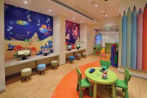 De kidsclub van Alexander The Great Beach Hotel