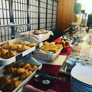 Breakfast options available to guests at Hotel Asterix