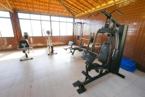The fitness center and/or fitness facilities at Hotel Canarius D'Gaibu