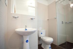 A bathroom at Arche Noah Boutique Hostel