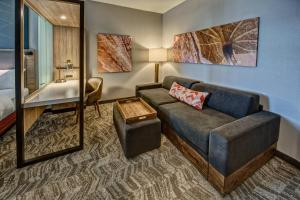 A seating area at SpringHill Suites by Marriott Amarillo