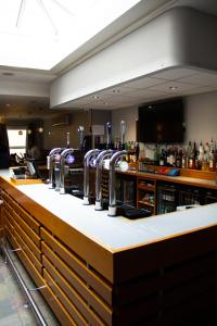 A restaurant or other place to eat at St George Hotel Rochester-Chatham