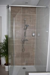 A bathroom at Chambre d'hôte l'épineuse