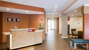 The lobby or reception area at TownePlace Suites Cedar Rapids Marion