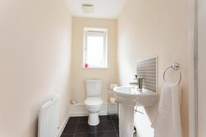 A bathroom at Hamber