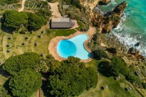 A bird's-eye view of L&A Villa with Private Pool in Prainha