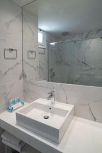 A bathroom at Chios Chandris