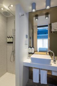A bathroom at Ovolo Southside