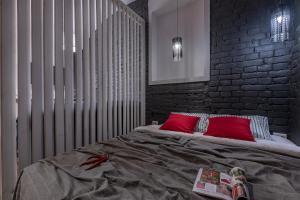 Кровать или кровати в номере RentalSPb 4 City bridge