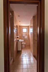 A bathroom at Hotel Opera by Zeus International