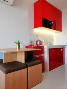 A kitchen or kitchenette at Cityscape Residences Unit 1102