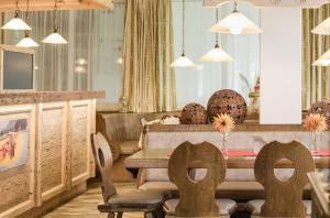 The lounge or bar area at Hotel & Restaurant Rupertigau