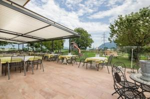 A restaurant or other place to eat at Hotel & Restaurant Rupertigau