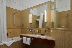 A bathroom at Ventana Hotel Prague