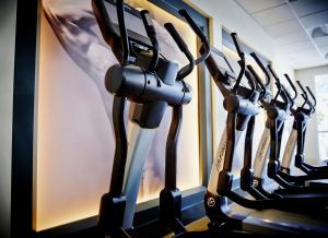 The fitness center and/or fitness facilities at Costa Mesa Marriott