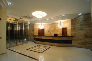 The lobby or reception area at Tetra Tree Hotel