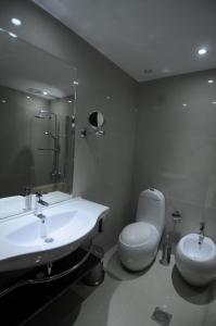 A bathroom at Tetra Tree Hotel