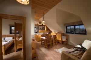 A restaurant or other place to eat at Bio Apartments Trnulja