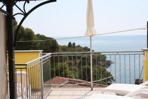 A balcony or terrace at Hotel Il Nido