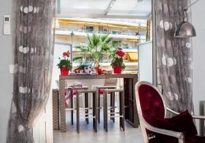 Ресторан / где поесть в Palais Miramar Imperial Grande Terrasse