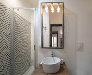 A bathroom at Futura Retrò