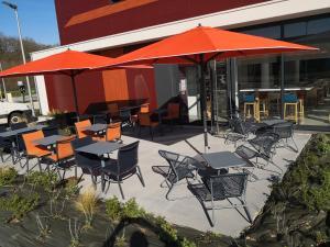 Restaurant ou autre lieu de restauration dans l'établissement Hôtel AKENA BESANCON