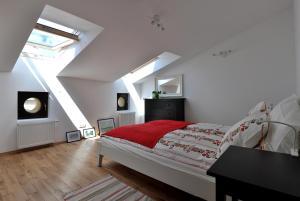 Posteľ alebo postele v izbe v ubytovaní HappyGuests Apartments