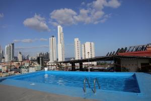 The swimming pool at or near Hotel Caribe Panamá