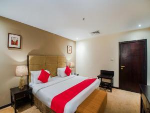 Cama ou camas em um quarto em Eastward Hotel