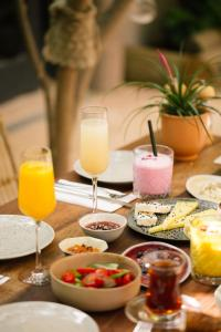 Breakfast options available to guests at GAIA ALAÇATI