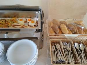 Breakfast options available to guests at Hili Hotel