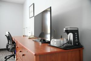 A kitchen or kitchenette at Donald Gordon Hotel and Conference Centre