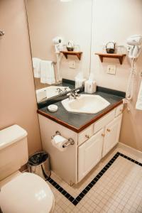 A bathroom at China Clipper Inn