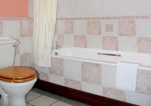 A bathroom at Craigadam