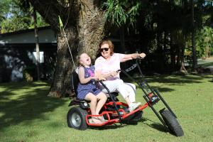 عائلة تقيم في BIG4 Whitsundays Tropical Eco Resort