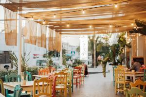 Een restaurant of ander eetgelegenheid bij Hotel Puchet