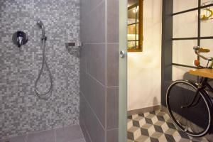 A bathroom at Walk Inn Váci 78