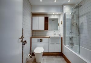 A bathroom at The Royal Foundation of St Katharine