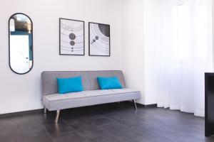 O zonă de relaxare la Planet House by TRIUS Hotels