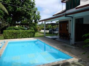 A piscina localizada em HUAHINE - Fare Tiareiti ou nos arredores