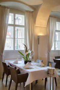 Restaurace v ubytování St. Thomas apartment