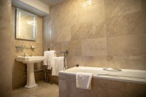 A bathroom at The Wood Norton