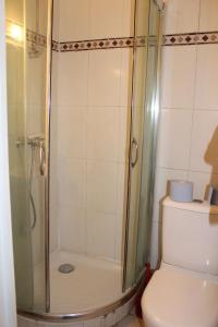 A bathroom at Ideal Hotel