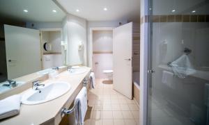 Een badkamer bij Hotel Aazaert by WP Hotels
