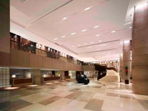 The fitness centre and/or fitness facilities at New World Makati Hotel, Manila