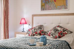Een bed of bedden in een kamer bij Apartamento San Isidro, OZONO