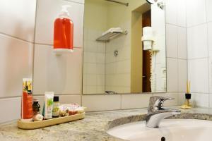 A bathroom at Savoy Hotel Bad Mergentheim