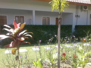 A garden outside KCR Homestay